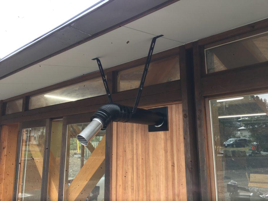 排気管天井吊り